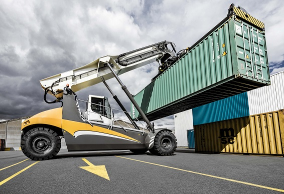 Liebherr - first LRS 545 reachstacker for India -sm